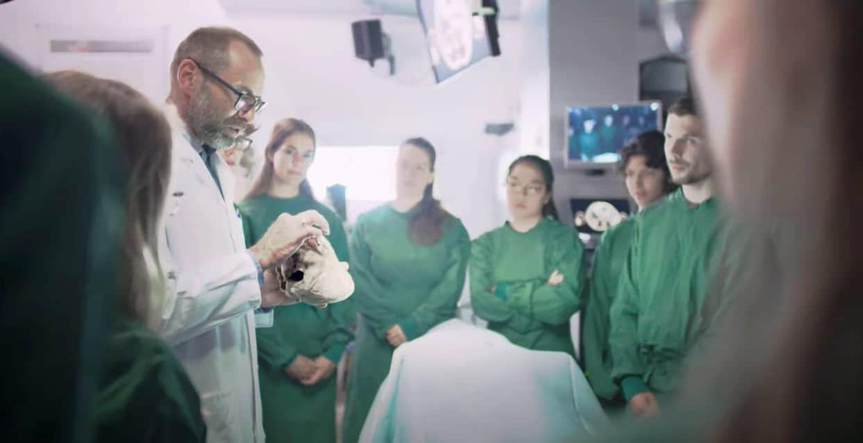 Warum uns Unternehmen aus der Medizin und der Gesundheitswesen Branche als Personalberatung für die Ärztevermittlung beauftragen?